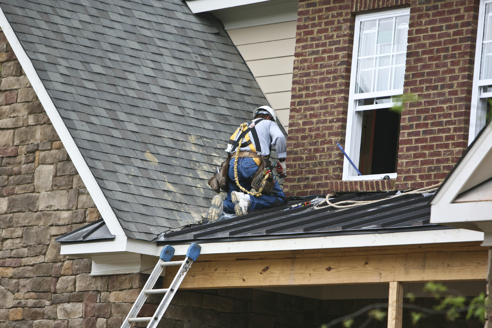 The Questions You Must Ask Before You Contract A Roofing Company